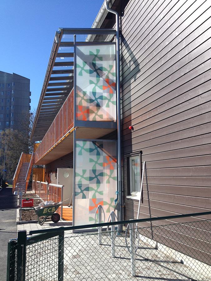 Laminerat glasparti i fasad